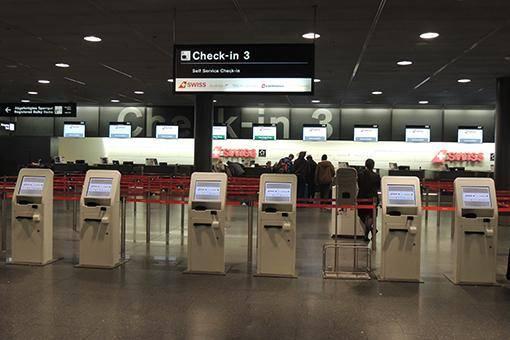 Automaten für's Check-In am Flughafen